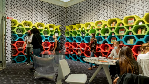 Tapety-plecionki Muraspec na Milano Design Week w Mediolanie